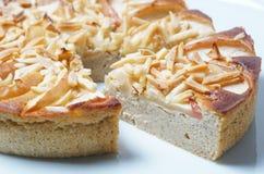 Πίτα της Apple με τα αμύγδαλα Στοκ φωτογραφίες με δικαίωμα ελεύθερης χρήσης