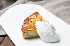Πίτα της Apple με τα αμύγδαλα Στοκ φωτογραφία με δικαίωμα ελεύθερης χρήσης