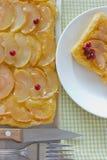 Πίτα της Apple με τα μούρα Στοκ φωτογραφία με δικαίωμα ελεύθερης χρήσης