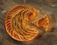 Πίτα της Apple με τη φέτα που αποκόπτει Στοκ Εικόνες