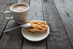 Πίτα της Apple με τον καφέ Στοκ φωτογραφία με δικαίωμα ελεύθερης χρήσης