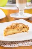 Πίτα της Apple με το αμύγδαλο Στοκ Φωτογραφία