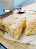 Πίτα της Apple με το γάλα Στοκ Φωτογραφίες