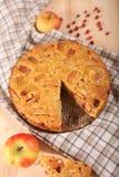 Πίτα της Apple με το μήλο Στοκ φωτογραφία με δικαίωμα ελεύθερης χρήσης