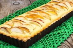 Πίτα της Apple με το τυρί και τα ροδάκινα εξοχικών σπιτιών Στοκ φωτογραφίες με δικαίωμα ελεύθερης χρήσης