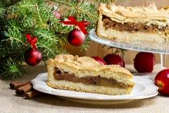 Πίτα της Apple στη ρύθμιση Χριστουγέννων Στοκ φωτογραφίες με δικαίωμα ελεύθερης χρήσης
