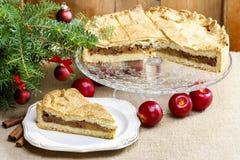 Πίτα της Apple στη ρύθμιση Χριστουγέννων Στοκ Εικόνα