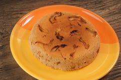 Πίτα της Apple στο πορτοκαλί πιάτο Στοκ φωτογραφίες με δικαίωμα ελεύθερης χρήσης