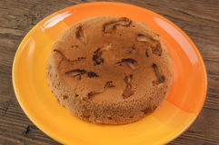 Πίτα της Apple στο πορτοκαλί πιάτο Στοκ Εικόνες