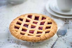 Πίτα της Apple, φραουλών και δικτυωτού πλέγματος του Blackberry Στοκ φωτογραφίες με δικαίωμα ελεύθερης χρήσης