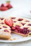 Πίτα της Apple, φραουλών και δικτυωτού πλέγματος του Blackberry Στοκ εικόνα με δικαίωμα ελεύθερης χρήσης