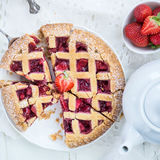Πίτα της Apple, φραουλών και δικτυωτού πλέγματος του Blackberry Στοκ Εικόνα