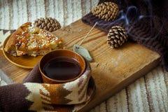 Πίτα, τσάι και ραβδί θυμιάματος Aromatherapy Στοκ Εικόνες
