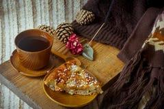 Πίτα, τσάι και ραβδί θυμιάματος Aromatherapy Στοκ Φωτογραφία