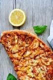 Πίτσα κοτόπουλου Στοκ εικόνα με δικαίωμα ελεύθερης χρήσης