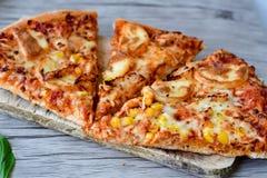 Πίτσα κοτόπουλου Στοκ Φωτογραφίες