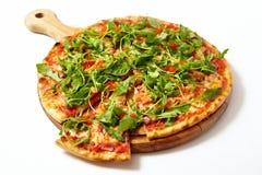 Πίτσα με τα θαλασσινά και το arugula Στοκ εικόνες με δικαίωμα ελεύθερης χρήσης