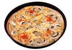 Πίτσα στο τηγάνι μετάλλων Στοκ φωτογραφία με δικαίωμα ελεύθερης χρήσης