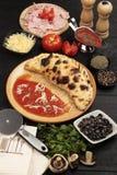 πίτσα calzone Στοκ εικόνες με δικαίωμα ελεύθερης χρήσης