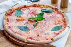 Πίτσα Margherita Στοκ Φωτογραφία