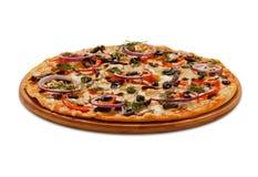 Πίτσα Neapolitana στο λευκό Στοκ Φωτογραφία