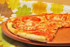 πίτσα neapolitana Στοκ Εικόνες