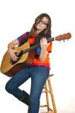 παίζοντας έφηβος κιθάρων κοριτσιών Στοκ Φωτογραφία