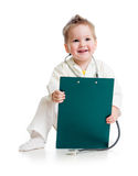 Παίζοντας γιατρός κατσικιών ή παιδιών με το στηθοσκόπιο Στοκ Φωτογραφία