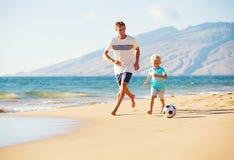 παίζοντας γιος ποδοσφ&alpha Στοκ Εικόνα