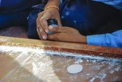 Παίζοντας επιτραπέζιο παιχνίδι στο Νεπάλ Στοκ Εικόνες