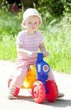 παίζοντας μικρό παιδί Στοκ εικόνες με δικαίωμα ελεύθερης χρήσης