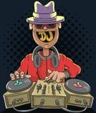 Παίζοντας μουσική του DJ λεσχών νύχτας σε έναν υγιή αναμίκτη και Gramophones Στοκ Φωτογραφίες