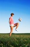 παίζοντας νεολαίες γυν&a Στοκ εικόνα με δικαίωμα ελεύθερης χρήσης