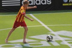 παίζοντας νεολαίες αγοριών Στοκ φωτογραφίες με δικαίωμα ελεύθερης χρήσης