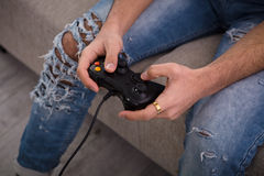Παίζοντας παιχνίδια στον υπολογιστή ατόμων Hipster Στοκ εικόνες με δικαίωμα ελεύθερης χρήσης