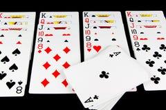 Παίζοντας παιχνίδι καρτών στο μαύρο υπόβαθρο Στοκ Εικόνα