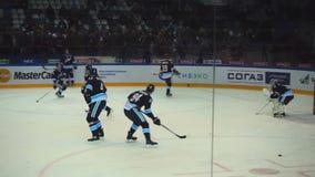 Παίκτες χόκεϋ στην προθέρμανση απόθεμα βίντεο