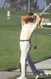 Παίκτης γκολφ σε στα μέσα τουταλάντευση Στοκ εικόνες με δικαίωμα ελεύθερης χρήσης