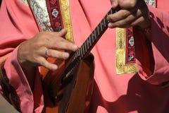 Παίξτε το balalaika Στοκ Φωτογραφία