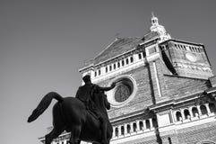 Παβία, ST Stefano Cathedral με το άγαλμα Regisole Γραπτή φωτογραφία του Πεκίνου, Κίνα Στοκ Φωτογραφίες