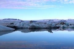 Παγετώδης λιμνοθάλασσα στο ηλιοβασίλεμα - Ισλανδία Στοκ εικόνα με δικαίωμα ελεύθερης χρήσης