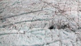 Παγετώνας κατά τη χιονώδη κρύα τοπ άποψη βουνών από το παράθυρο ελικοπτέρων της Νέας Ζηλανδίας απόθεμα βίντεο