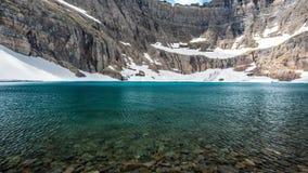 Παγετώνας - μέσο λιμνών παγόβουνων φιλμ μικρού μήκους