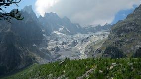 Παγετώνας νότιων πλευρών ορεινών όγκων της Mont Blanc απόθεμα βίντεο