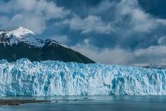 Παγετώνας του Moreno Perito σε μια ηλιόλουστη ημέρα Στοκ Εικόνες