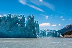 Παγετώνας του Moreno Perito σε μια ηλιόλουστη ημέρα Στοκ φωτογραφία με δικαίωμα ελεύθερης χρήσης