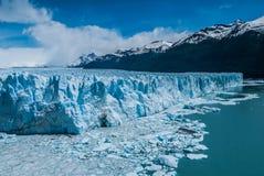 Παγετώνας του Moreno Perito σε μια ηλιόλουστη ημέρα Στοκ εικόνα με δικαίωμα ελεύθερης χρήσης