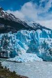 Παγετώνας του Moreno Perito σε μια ηλιόλουστη ημέρα Στοκ Εικόνα