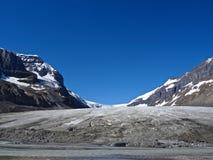 Παγετώνας Athabasca, χώρος στάθμευσης Icefields, Καναδάς Στοκ Εικόνες
