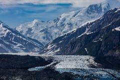 Παγετώνας Hubbard και επιπλέων πάγος Στοκ εικόνες με δικαίωμα ελεύθερης χρήσης